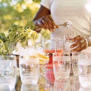 Osvežavajući letnji napici - Punč od brusnice i đumbir čaja