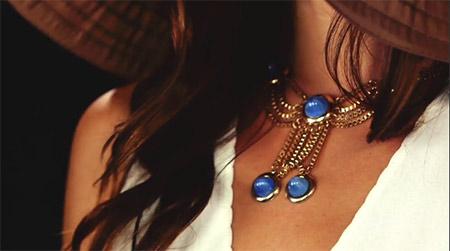 sesir i plavo drago kamenje