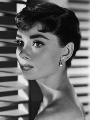 Audrey Hepburn frizura
