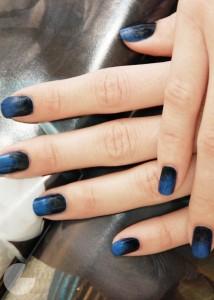 Tamne ombre boje noktiju