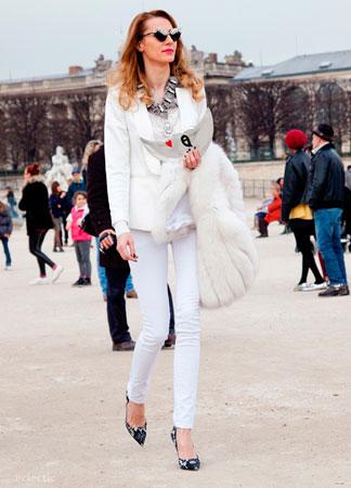Bela odeća