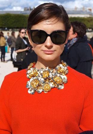 Cvetna ogrlica