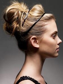 Senzualni updo frizura za prolece