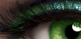 koja boja kose ide uz zelene oci