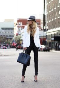 Crna boja uz beli sako