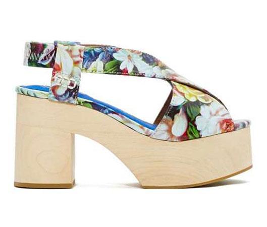 Sandale sa cvetnim dezenom
