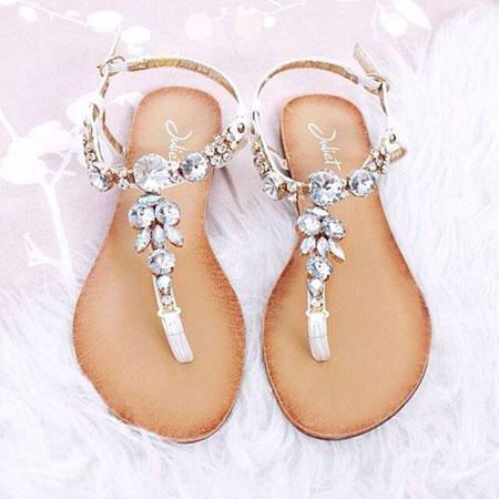 Treba nositi – Ravne sandale