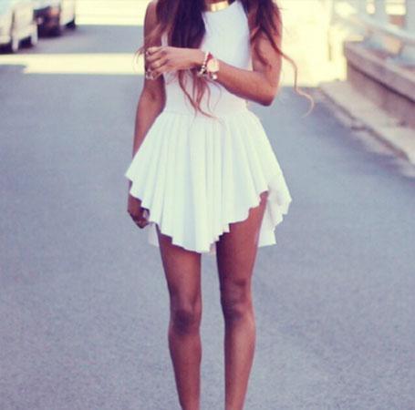 Kapriciozno bela haljina