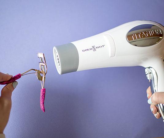 Uvijač za trepavice zagrejte pre upotrebe
