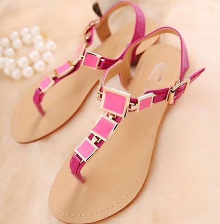 Sandale sa kaiševima oko članka