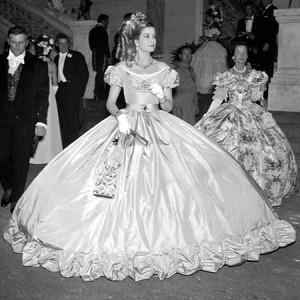 7. Godine 1960 kao Grace od Monaka.