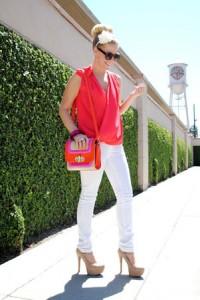 Beli džins i zabavne i svetle boje