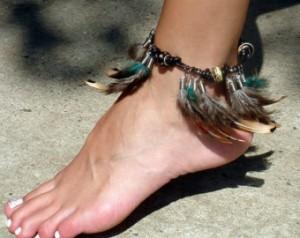 Narukvice sa perjem i krznom