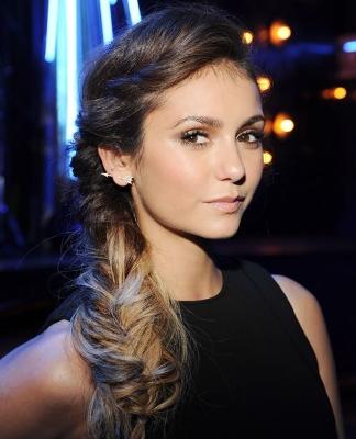 Nina Dobrev frizura