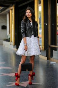Ženstvena haljina i žestoka jakna