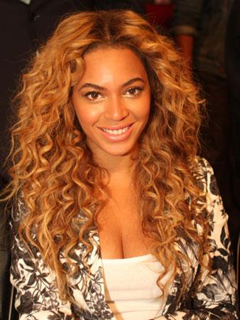 Beyonce – Duga kosa sa sitnim kovrdžama