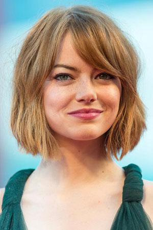 Emma Stone – Opuštena bob frizura sa šiškama
