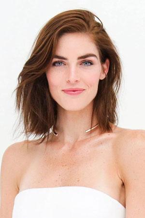 Hilary Rhoda – Razbarušena kratka bob frizura