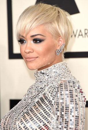 Rita Ora – Platinasto plavo i smoki oči