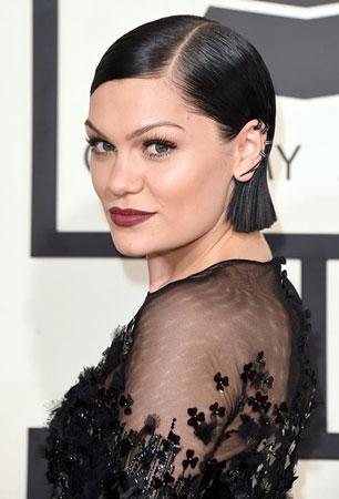 Jessie J – Zalizana kosa i upadljiva šminka