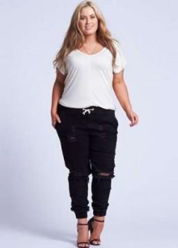 crne joggers pantalone