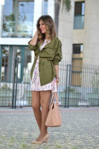 bez cipele sa kratkom haljinom