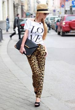pantalone sa leopard printom