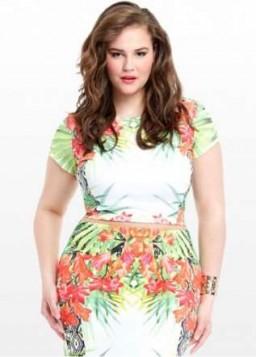 haljina sa rascvetanim tropskim printom