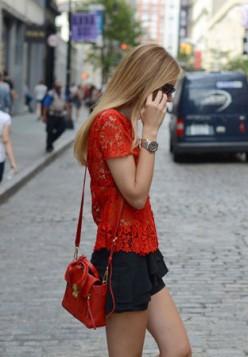 crvena heklana bluza