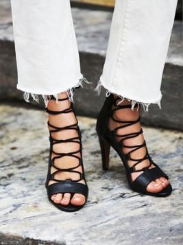 crne na stiklu gladijator sandale