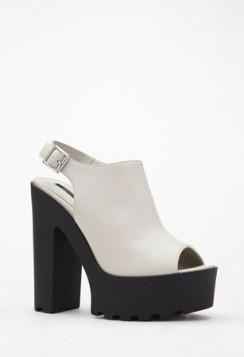 crno bele sandale sa debljom stiklom