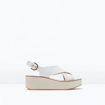 bele elegantne sandale sa ravnom platformom