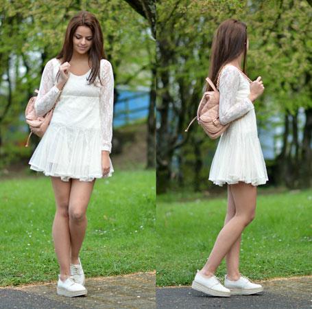 mladalacka i sportska varijanta bele haljine i belih patika