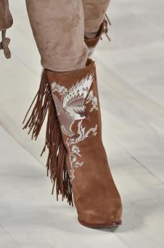 cizme sa resama u kaubojskom stilu
