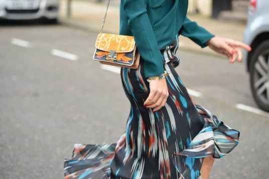 mini torba u upadljivim bojama