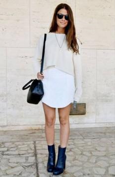 crop top preko bele haljine