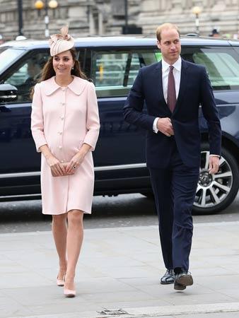 pastelno roze kaput