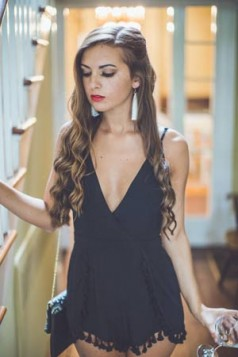bele visece mindzuse sa resama i klasicna crna haljina