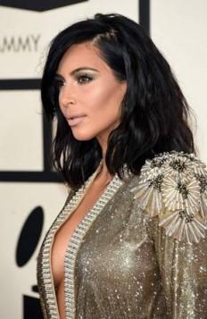 Kim Kardashian lob frizura