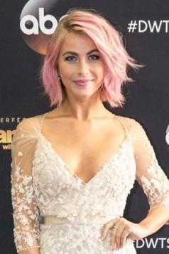 Julianne Hough pink kosa