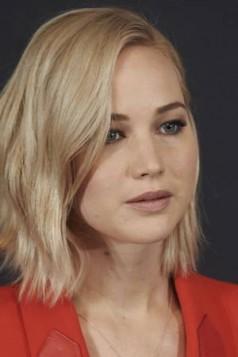 Jennifer Lawrence platinasto plava boja kose