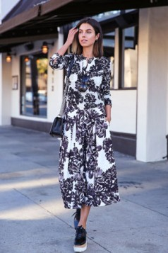 haljina sa retro cvetnim printom