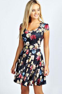 klasicna leprsava haljina sa cvetnim printom