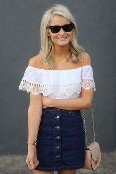 bluza spustenih ramena uz teksas suknju