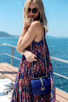 torbica za rame i naocare za sunce
