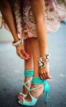 visoke potpetice u zelenoj boji
