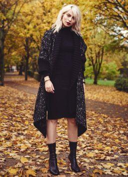 crna haljina dugih rukava i kardigan