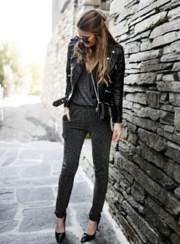 crni kombinezon i kozna jakna