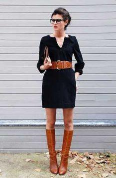 braon duboke cizme uz haljinu