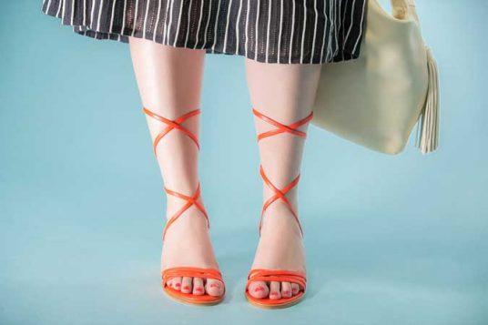 crveni lak i crvene sandale